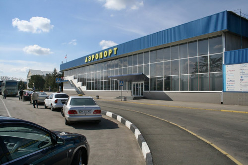Заказать недорого такси – минивэн из Алушты в аэропорт Симферополя можно в компании «Минивэн Такси Сервис»
