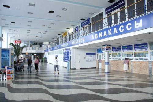 Недорогое такси – минивэн из Севастополя в аэропорт Симферополя можно заказать в компании «Минивэн Такси Сервис» - выгодная цена 2019!