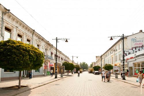 Заказать недорогое такси – минивэн из Симферополя в Ялту можно в компании «Минивэн Такси Сервис»